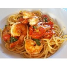 Spaghetti mit Garnelen in Tomaten-Weissweinsauce